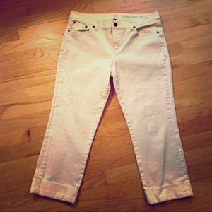 NY&C White Stretch Capri Jeans, size 8